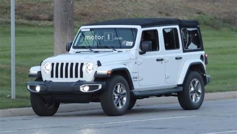 2018 jeep wrangler spy shots entire 2018 jeep wrangler lineup photographed on road 40