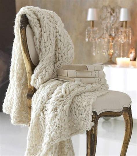 bettdecke selber stricken strickwaren als deko verleihen ihrem zuhause l 228 ndliche w 228 rme