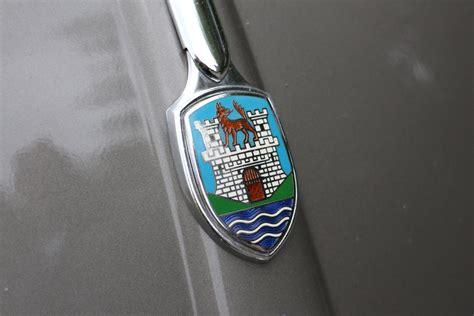 volkswagen wolfsburg emblem vw k 228 fer emblem wolfsburg autodrom