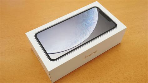 iphone xr haste photo review the iphone that has been reborn as a bezelless design looks like