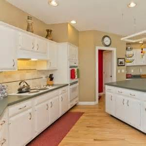 painting vs refacing kitchen cabinets cabinet refacing and refinishing
