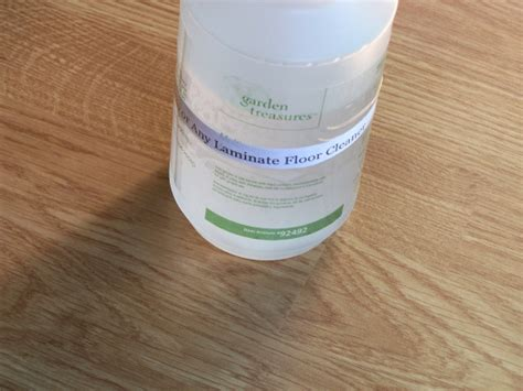 Which Cleaning Solution To Use On My Pergo Laminate Flooring - pergo or any laminate floor cleaner recipe genius kitchen