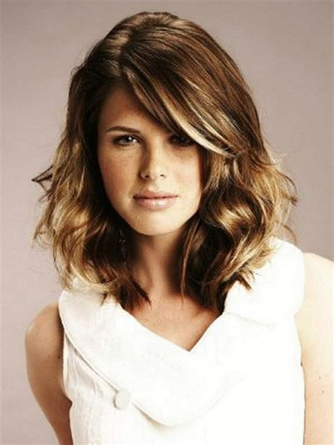 shoulder length haircut for wavy hair haircuts for medium length wavy hair