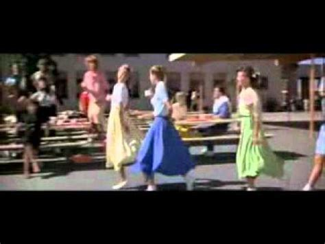 Grease Review And Trailer by Grease Tr 225 Iler En Castellano