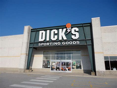www dickssportinggood s sporting goods store in newark de 34