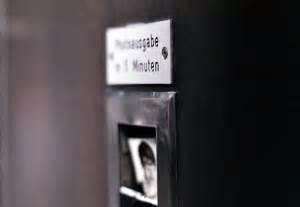 Bewerbungsfoto Automat Das Professionelle Bewerbungsfoto F 252 R Den Lebenslauf