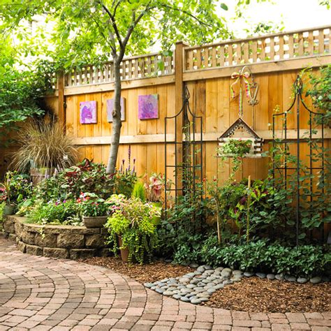 secluded backyard ideas landscaping ideas for privacy photography buzz