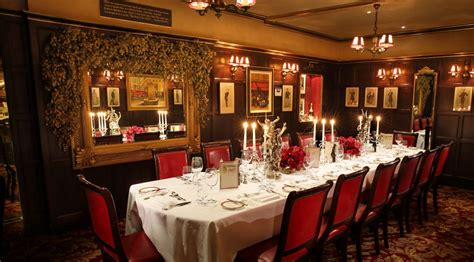 Dining Room Waiter Description Discover Dining Rooms In For Between 10 And