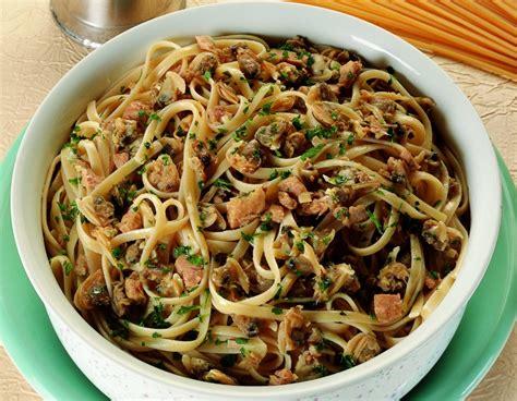 ricette per cucinare il tonno ricetta linguine al tonno e vongole le ricette de la