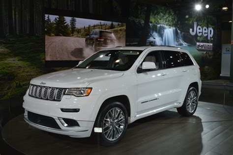 jeep grand 2017 summit 2017 jeep grand summit brings crafted
