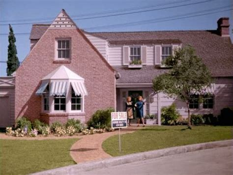 bewitched house inspiration for tv series house santa bewitched house famous tv homes