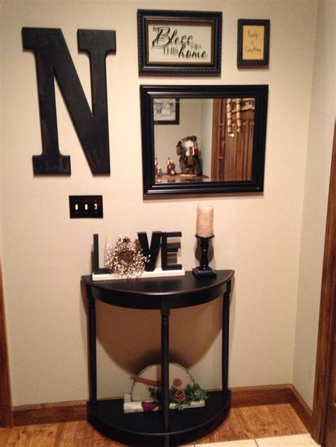 Entryway Idea by Best 25 Black Entryway Table Ideas On Pinterest Foyer