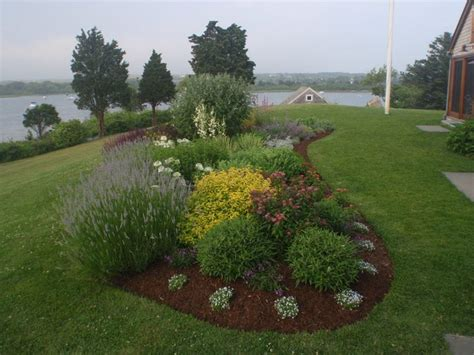 Kidney Garden by For Garden Islands Move Beyond The Familiar Circle Or