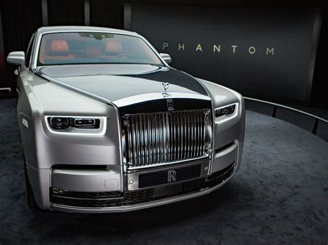 roll royce fantom rolls royce phantom pictures features business insider