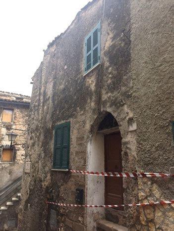 comune di anagni ufficio tecnico guarcino crolla il pavimento di un abitazione anagni