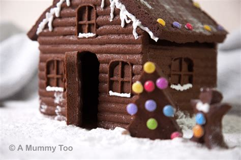 How To Make A Gingerbread House by How To Make An Easy Detailed Gingerbread House A