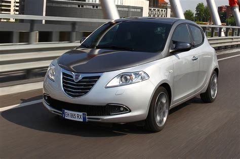lancia ypsilon 2011 photo lancia ypsilon 2011 2011