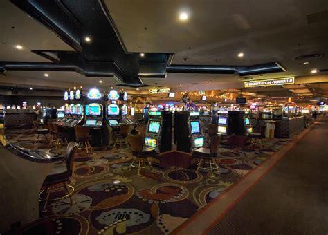 floor n decor and holiday hours las vegas mcdonough excalibur hotel and casino excalibur hotel casino las vegas
