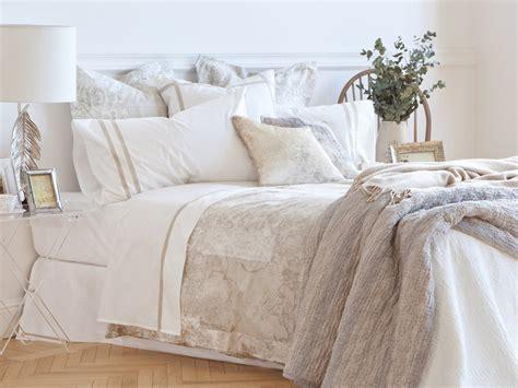 ropa para camas caracter 237 sticas de la ropa de cama a todo lujo caf 233 s