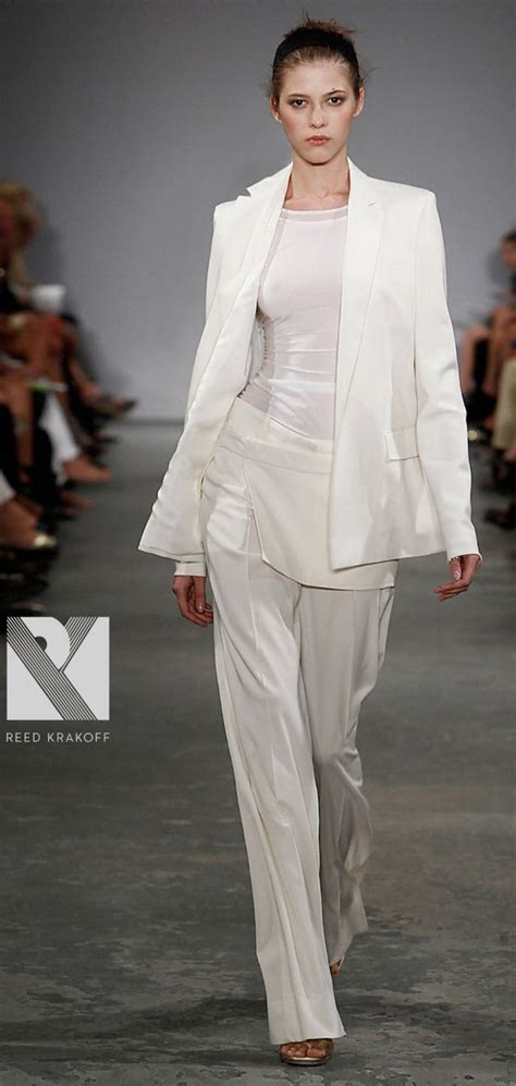 losrecuerdosdelbaulolvidado: Ladies's Dressy fits For Weddings