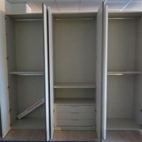 portacravatte per armadio portacravatte per armadio abbinamento mobili classici e