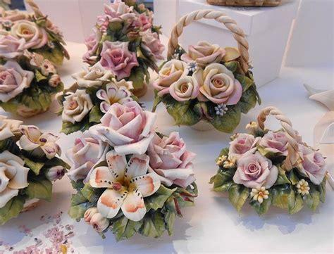 fiori capodimonte 26 best images about bomboniere cestini e fiori