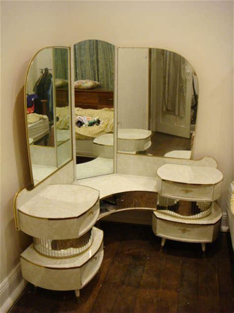 Vanity Mirror Australia by Amazing Retro Vintage Corner Mirrored Dressing Table