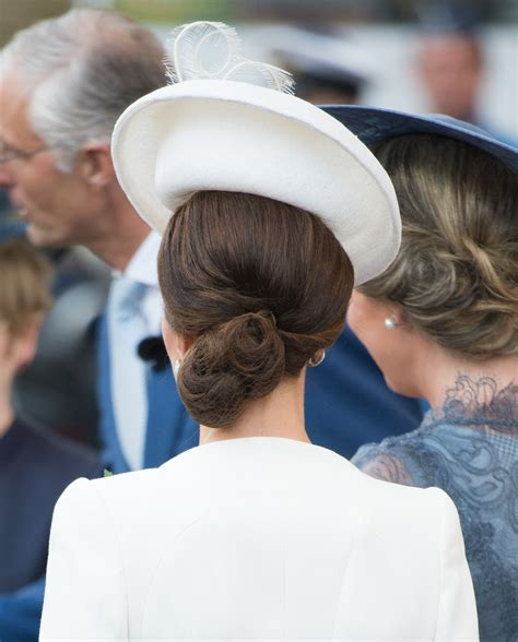 hairnet hairstyles that s right when the duchess of cambridge wears her hair