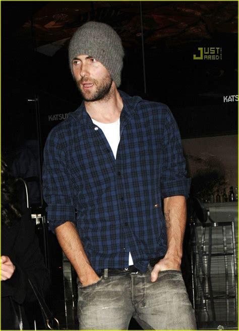 Adam Levine Cribs by Hat Maroon 5 Adam Levine Wheretoget