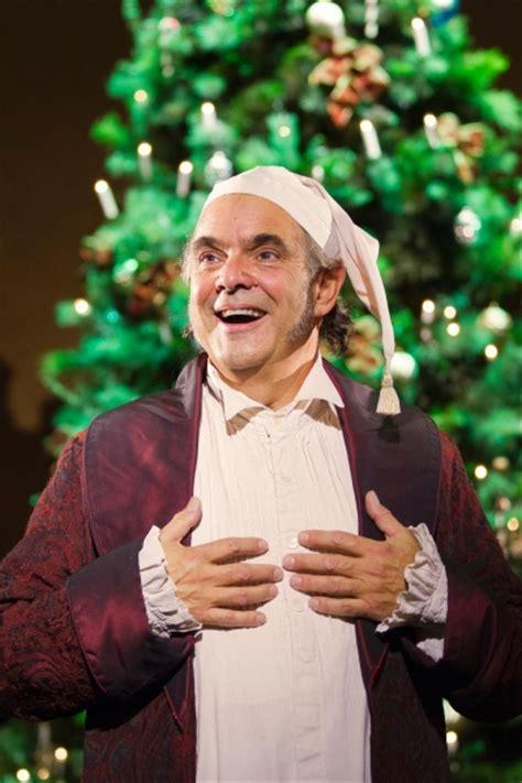 photo flash sneak peek  edward gero     christmas carol  fords theatre
