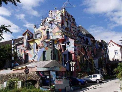 strange buildings around the world
