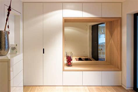 flur eingang garderobe eingangsbereich mit kombiniertem garderoben sitzm 246 bel