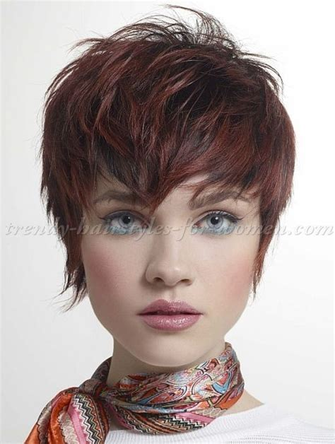 red short cropped hairstyles over 50 de 20 b 228 sta id 233 erna om shaggy pixie p 229 pinterest pixie