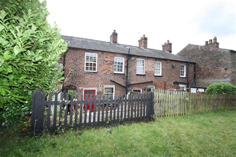 2 bedroom cottage to rent in 36 runcorn road barnton