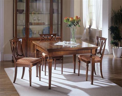 tavoli ciliegio tavolo allungabile in ciliegio intarsiato pratico