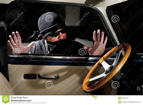 Auto Klauen by Car Thief Royalty Free Stock Photography Image 35050437