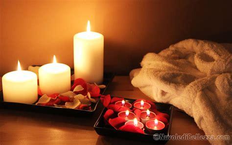 massaggio con candele centro estetico relax nuvole di bellezza