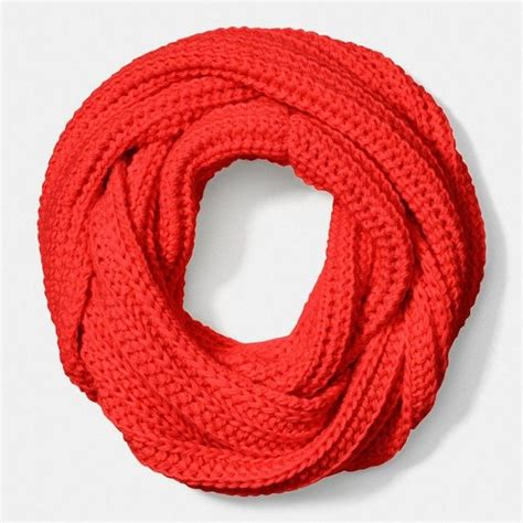 lightweight infinity scarf knitting pattern 25 best ideas about chunky infinity scarves on