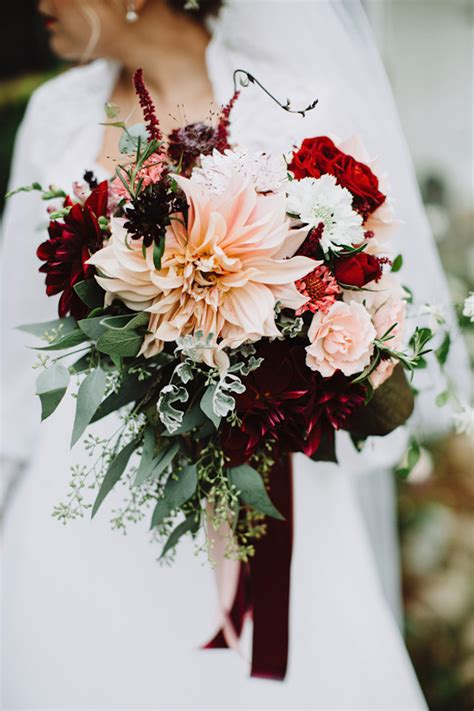 Wedding Bouquet Magazine by 15 Stunning Fall Wedding Bouquets The Magazine