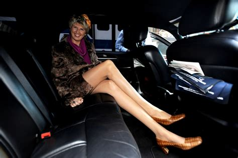picture of the woman with the largest virgina svetlana pankratova woman with the world s longest legs