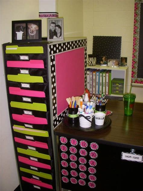 Cute And Organized Classroom 4th Grade Classroom Classroom Desk Organization Ideas