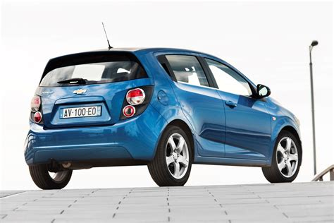 Toyota Aveo Chevrolet Aveo Hatchback Review 2011 2015 Parkers