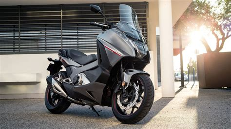 honda integra scooter honda integra scooter with motorbike power honda uk