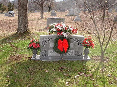 Grave Decorations by Gravesite Decorations Wedding Decor