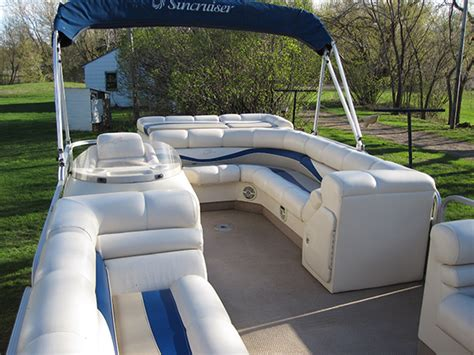 daily boat rental mn pontoon boat rentals in minnesota party boats on the lake