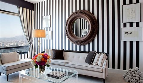 striped rooms create a modern living room with striped walls