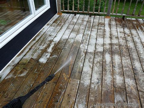 clean  deck  pressure washer remove mold greyish