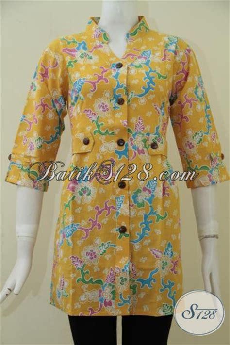 desain baju batik wanita kerja blus batik kuning desain formal proses print baju batik
