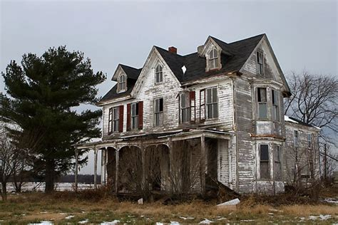 haunted houses near my location 396 best old farm houses images on pinterest abandoned places abandoned houses and