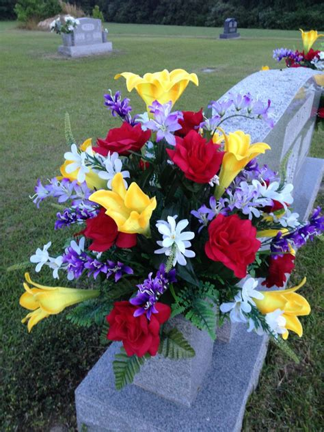 Grave Vases For Flowers by 411 Best Grave Flower Arrangements Images On